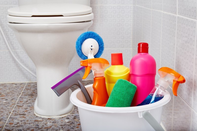Picture of Bathroom Cleaning Hacks Without Chemicals